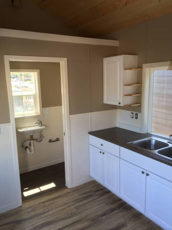 Tiny House For Rent in Battle Ground Oregon 009