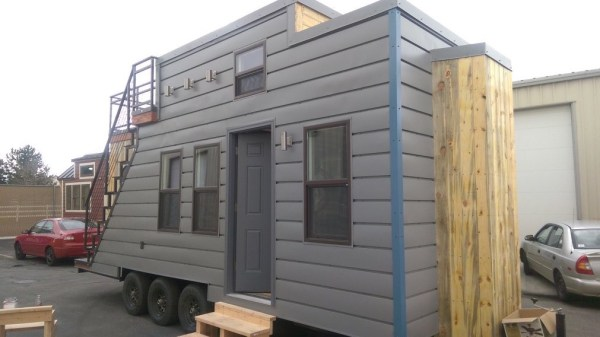 Tiny House on Wheels with Rooftop Access 002