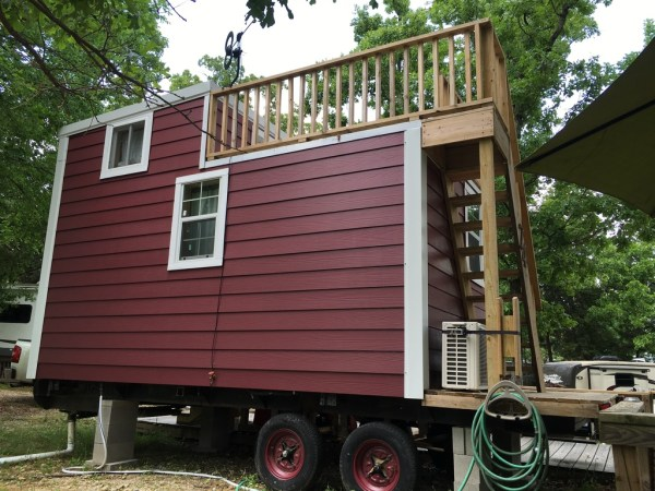 Tiny House with Rooftop Balcony For Sale 0041