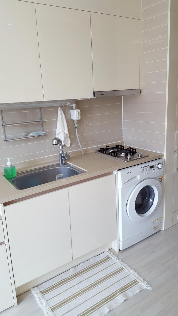 tiny-modern-apartment-in-south-korea-006