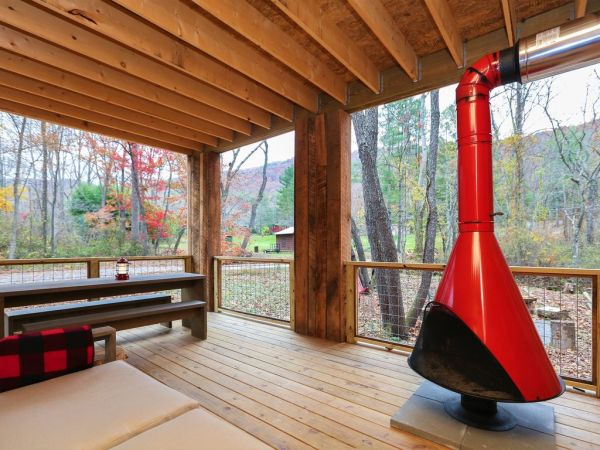 Tiny Modern Rustic Tiny Cabin Vacation near Asheville NC 0022