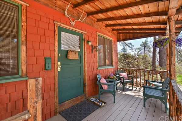 Tiny Mountain Cabin in Idyllwild California For Sale with Land 002
