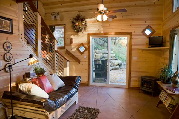 tiny-mountain-cottage-in-nc-006
