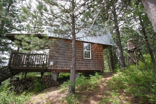 Tiny Newport Cabin 0020