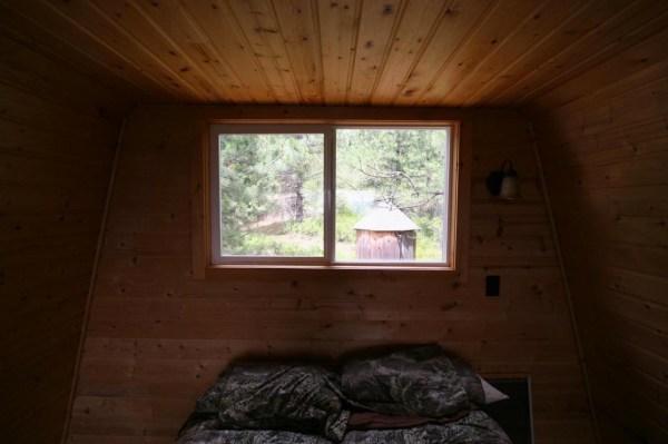 Tiny Newport Cabin 006