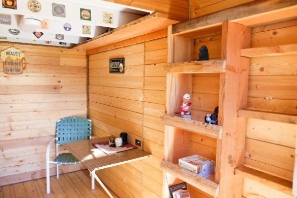 tiny-off-grid-mountain-cabin-008