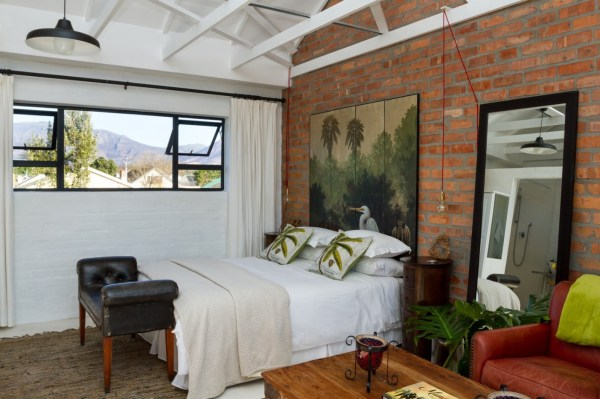 Tiny Rose Cottage in Cape Town 009