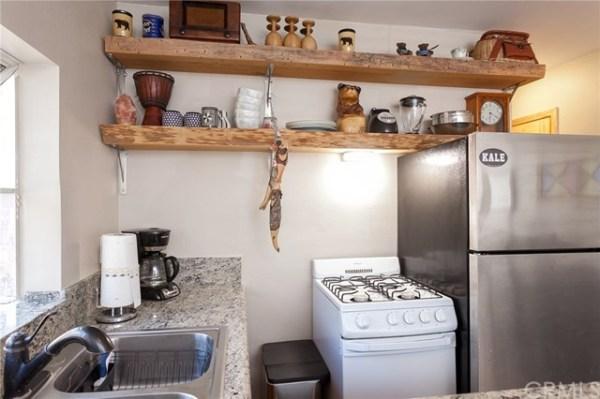 tiny-sugar-loaf-cabin-008