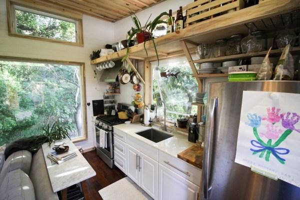 Tiny Urban Cabin 0011