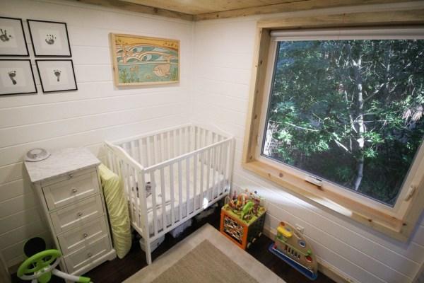 Tiny Urban Cabin 0018