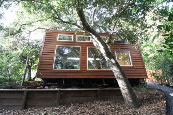 Tiny Urban Cabin 0027