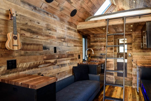 tipsy-the-tiny-house-seattle-vacation-spot-001