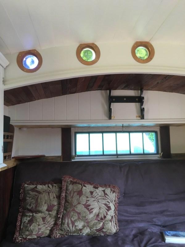 tonys-amazing-old-fashioned-trailer-coach-tiny-house-004