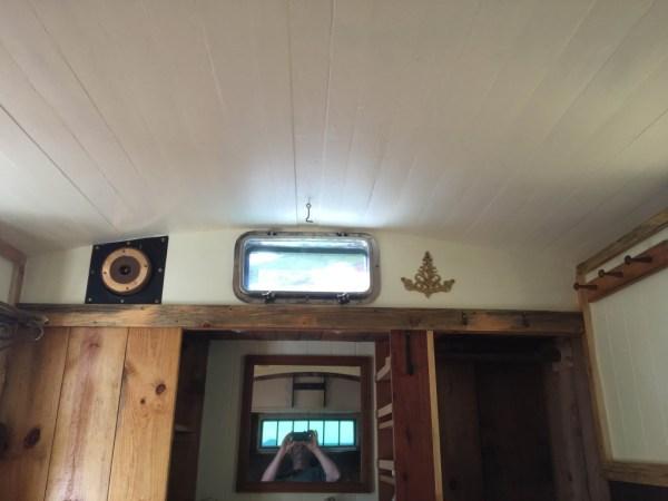 tonys-amazing-old-fashioned-trailer-coach-tiny-house-010