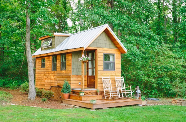 Travis-Brittany-Tiny-204-Sq-Ft-Home-001