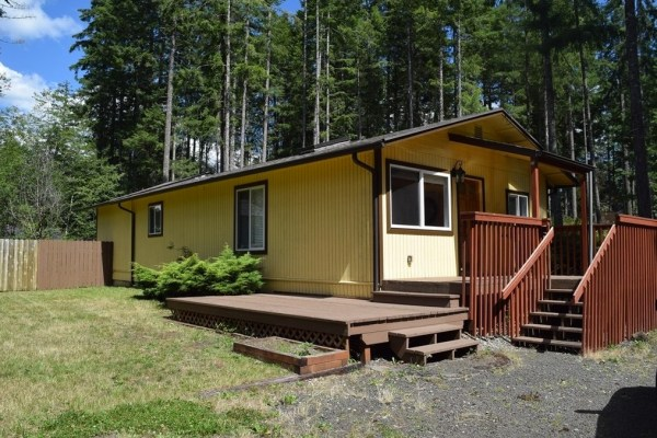Two Bedroom Cottage For Sale in Shelton 002