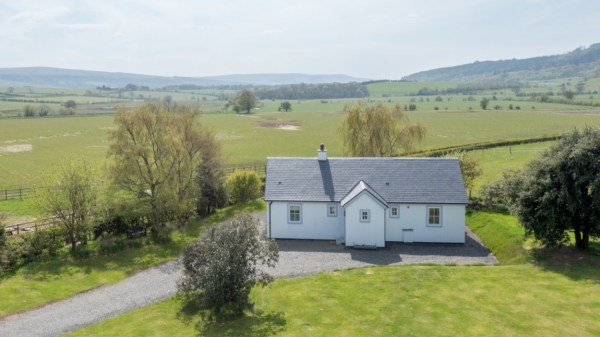 Two Bedroom Wee House in South Ayshire Scotland 0023