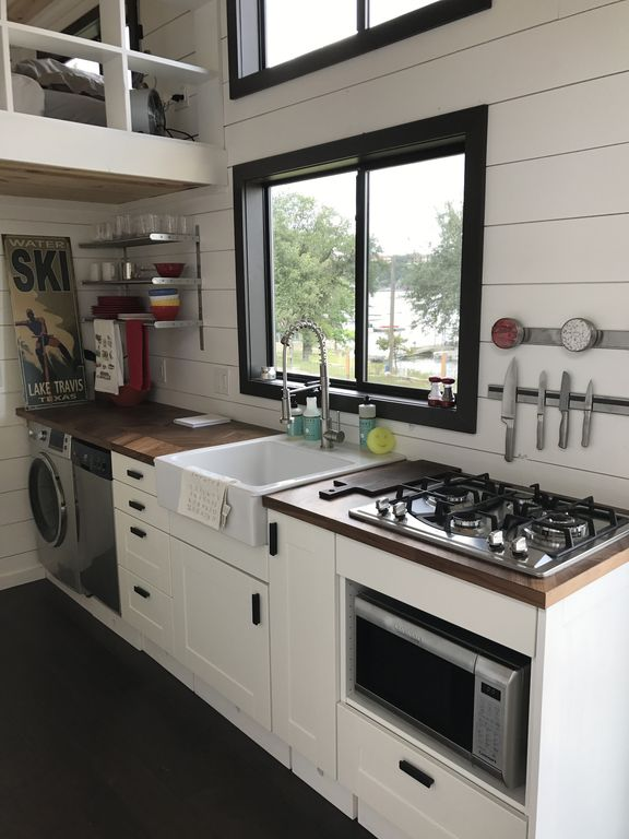 Two Waterfront Tiny Homes on Lake Travis Vacation Rentals_004