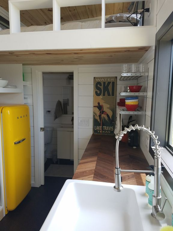 Two Waterfront Tiny Homes on Lake Travis Vacation Rentals_005