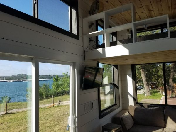 Two Waterfront Tiny Homes on Lake Travis Vacation Rentals_008