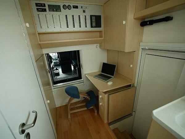 Unicat-TerraCross-off-road-house-truck-tiny-home-006