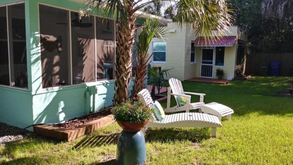 Vintage Tiny Cottage in Folly Beach 0010