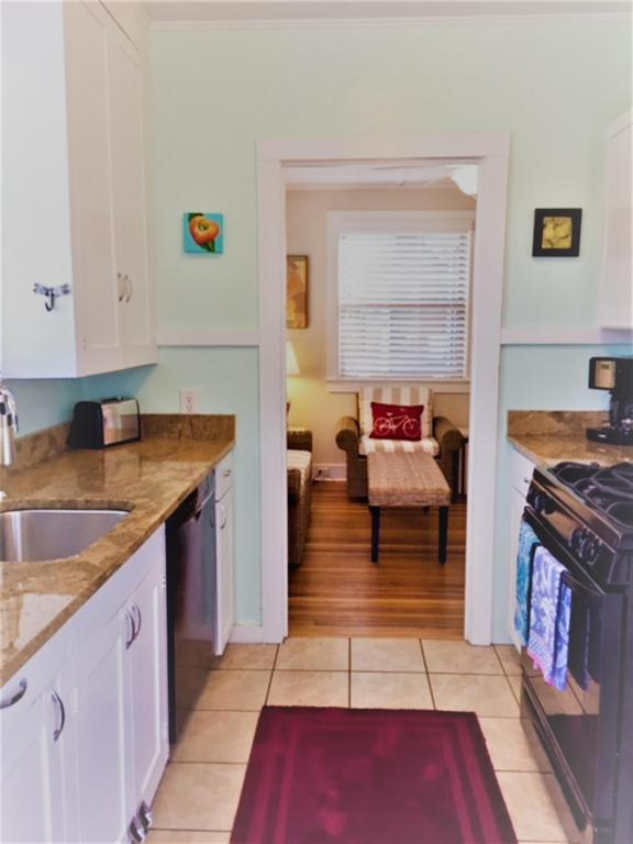 Vintage Tiny Cottage in Folly Beach 005