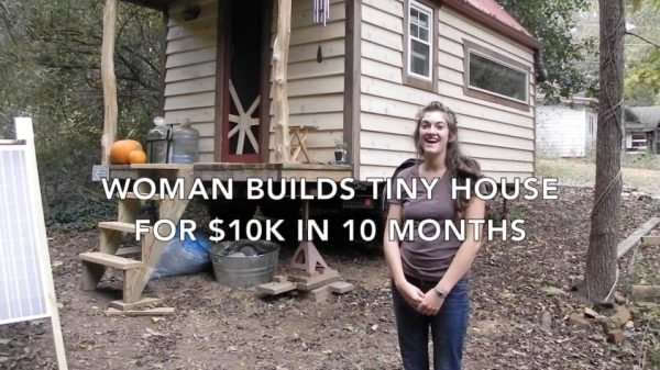 WOMAN-BUILDS-TINY-HOUSE-FOR-10K-IN-10-MONTHS-06