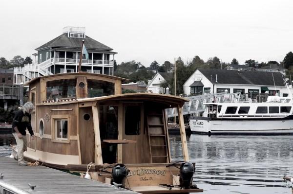 WaterWoody Houseboat 0012