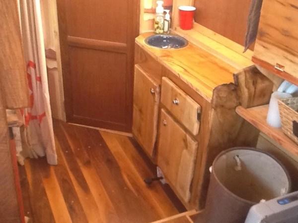 WaterWoody Houseboat 005