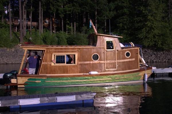 WaterWoody Houseboat 008