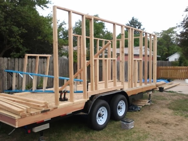 Woman-Builds-Her-Own-Tiny-House-Wheels-003