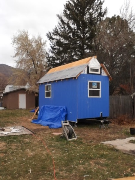 Woman-Builds-Her-Own-Tiny-House-Wheels-007