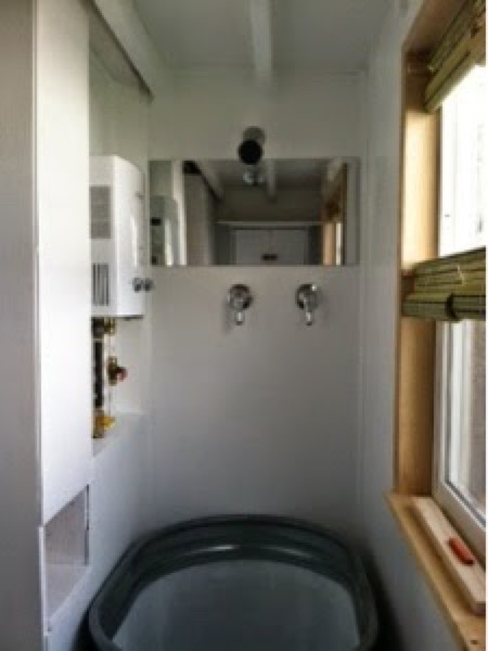 Woman-Builds-Her-Own-Tiny-House-Wheels-020