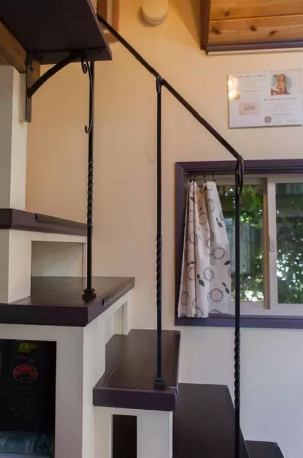 Woman Designs-Builds her own Pocket Mansion Tiny House 0014