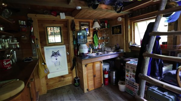 Young Man Who Built His Own Off-Grid Tiny House As a Late Teen 002