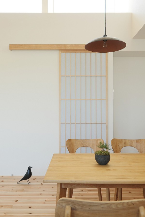 alts design office 768 sf japanese family small house 0011 600x899   Minimalist 778 Sq. Ft. Japanese Family Small House