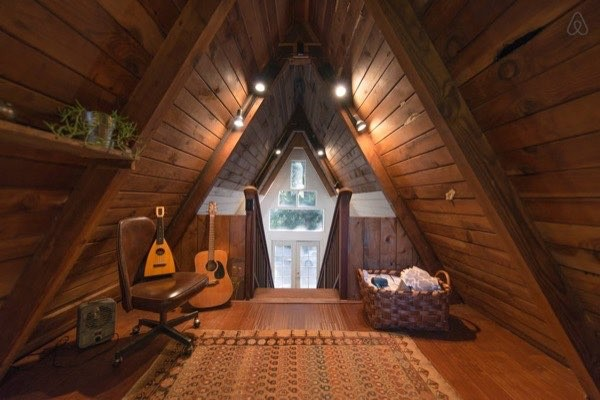amazing-tiny-a-frame-cabin-in-the-redwoods-013