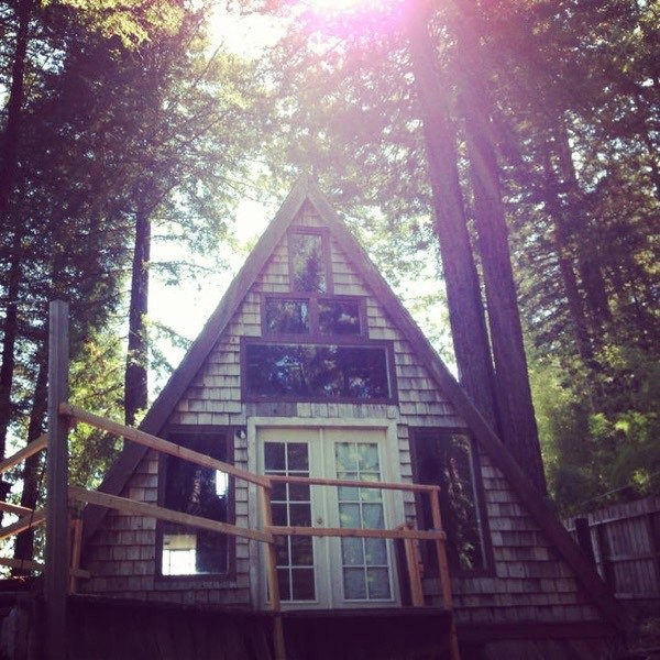 amazing-tiny-a-frame-cabin-in-the-redwoods-014