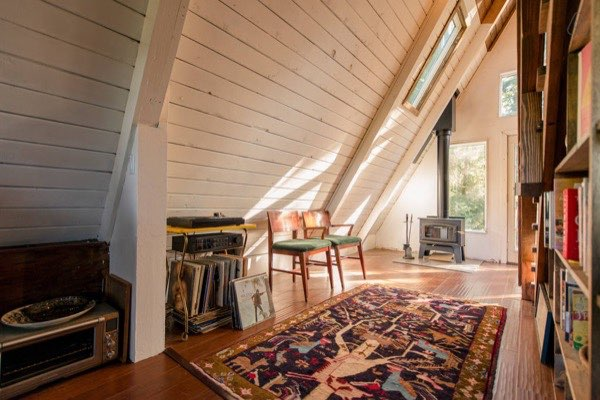 amazing-tiny-a-frame-cabin-in-the-redwoods-04
