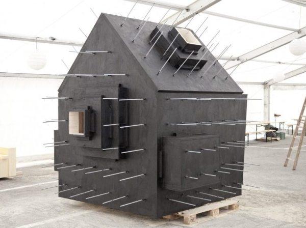 antoine-bureau-a-stone-shaped-tiny-cabin-002