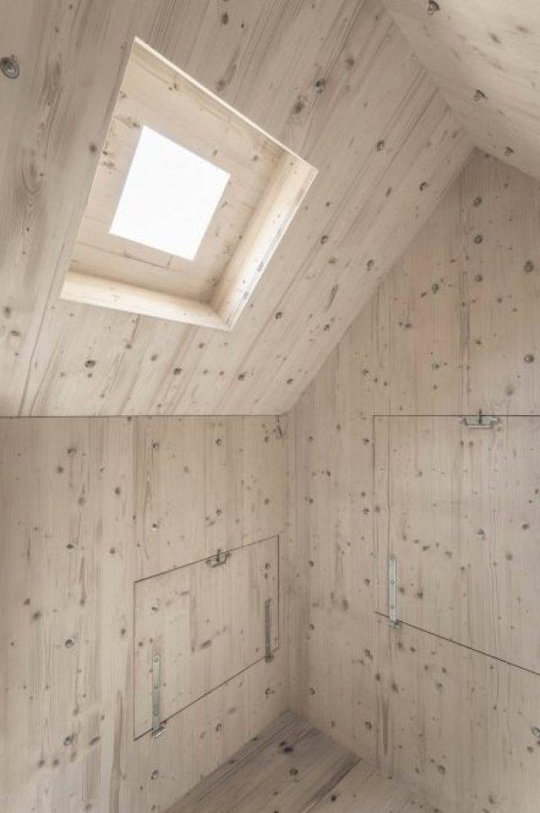 antoine-bureau-a-stone-shaped-tiny-cabin-009