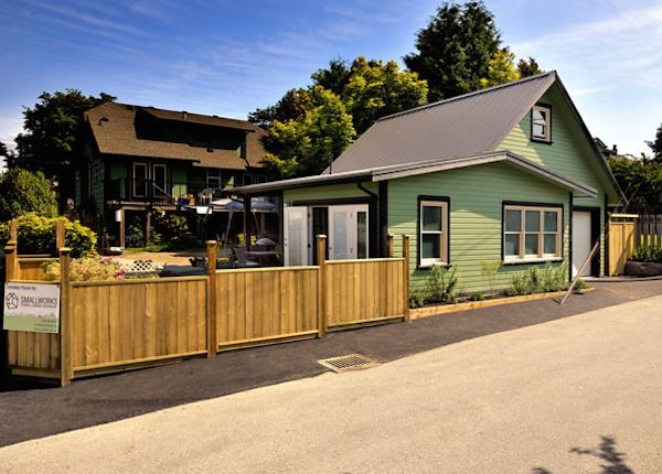arts-and-crafts-750-laneway-small-house-by-smallworks-01