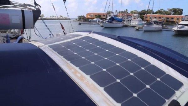 australian-couple-traveling-world-sailboat-008