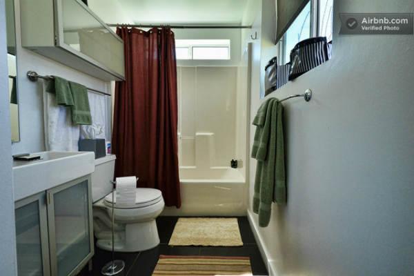Bathroom in Cabin Studio