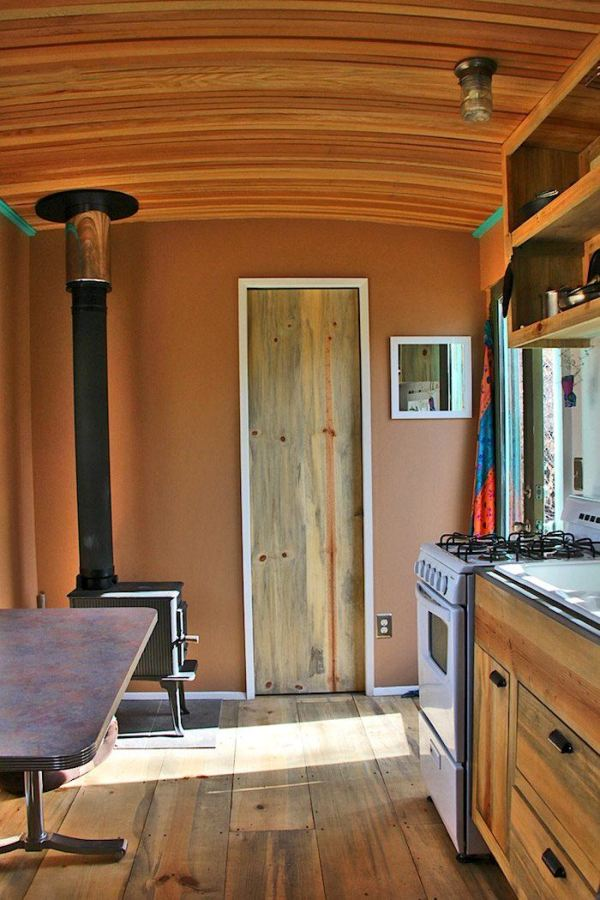 bens-shopdog-steely-cottage-off-grid-solar-tiny-house-0006