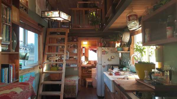 bless-this-tiny-house-family-of4-005