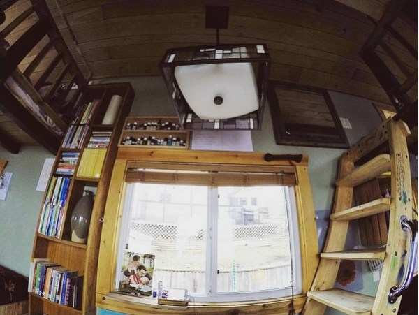 bless-this-tiny-house-family-of4-011