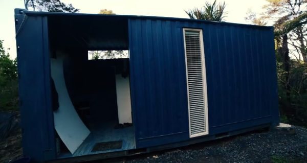brenda-kellys-off-grid-shipping-container-tiny-house-005