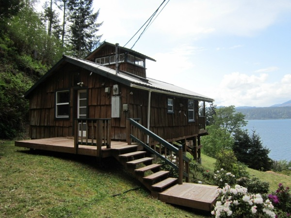 480 sq ft waterfront cabin studio for Hood canal cabin for sale